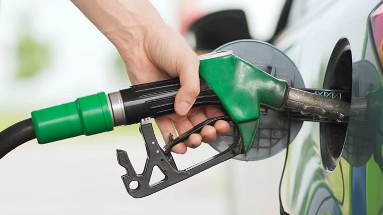 Petrol, diesel prices remain unchanged today after six days of consecutive fall