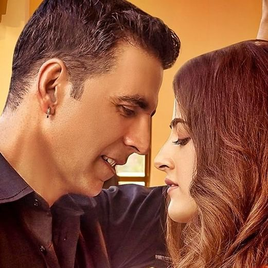 Akshay Kumar all set to romance Kriti Sanon's younger sister in music video!