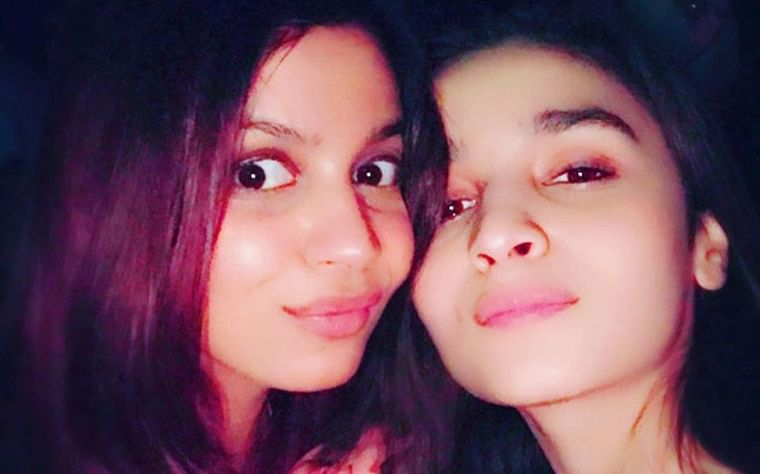 Sister Love: Shaheen Bhatt posts a pic of her 'little flower' Alia Bhatt looking confused