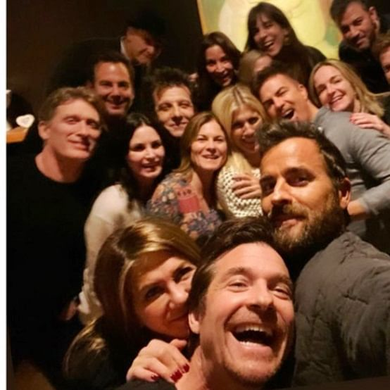 Jennifer Aniston celebrates '#Fakesgiving' with ex-flame Justin Theroux, 'Friends' co-star Courteney Cox