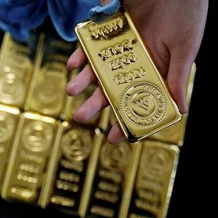 Gold prices fall for second consecutive day
