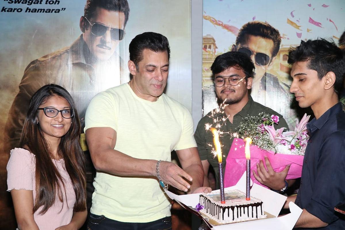 Salman Khan with fans