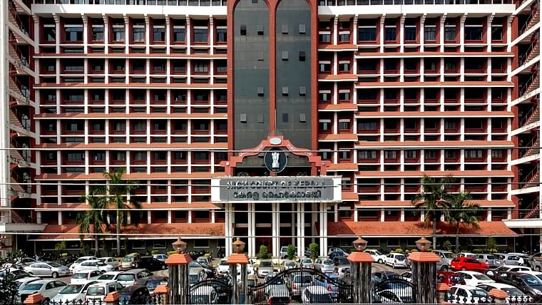 Kerala HC dismisses state's plea against lease of Trivandrum airport