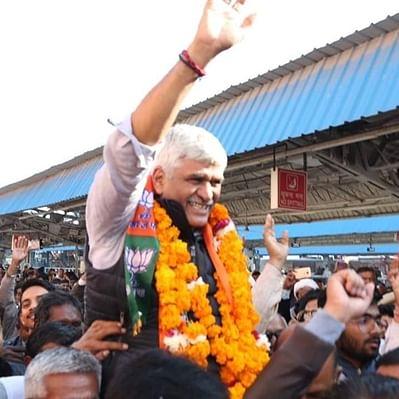 Gajendra Shekhawat promises Pak Hindu citizenship by 2022