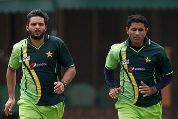 Former Pakistan skipper Shahid Afridi (left) with Abdul Razzak