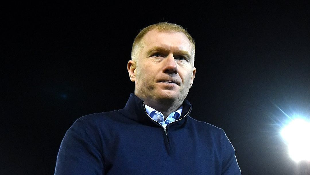 Watch: Paul Scholes goes nuts after United beat City