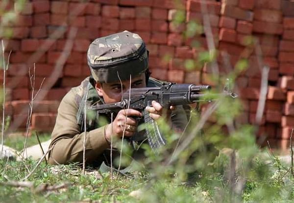 Pakistan resorts to heavy shelling along LoC in Poonch, civilian injured