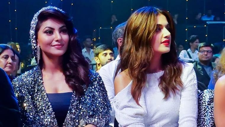 Awkward! Taapsee sits next to Urvashi Rautela after criticizing her dressing style