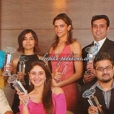 Flashback Friday: Deepika Padukone's unseen pic with Kareena Kapoor has left internet baffled