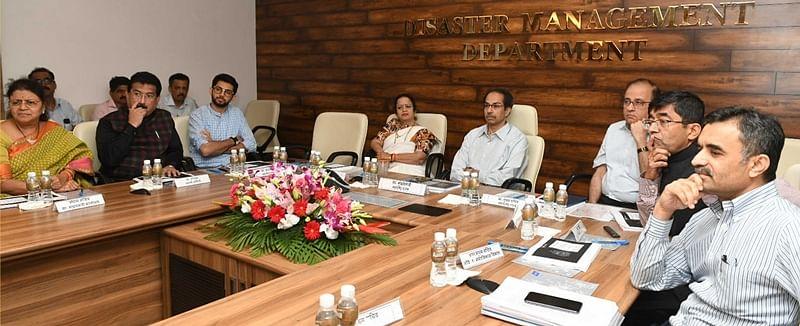 CMreviews BMC projects under 'Mumbai 2030'
