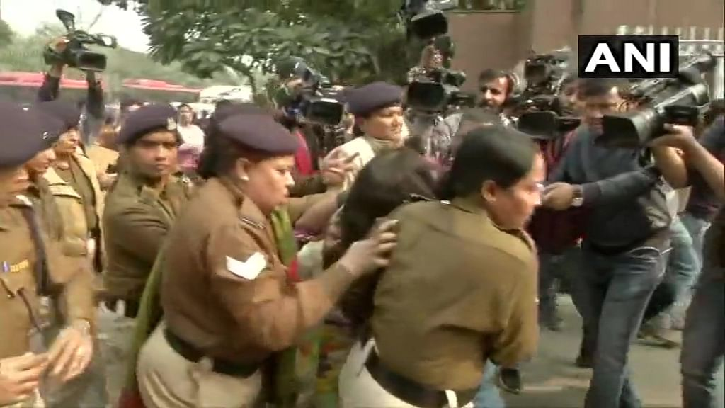 Unnao rape case protesters turn wild; woman throws petrol on her 6-year-old daughter