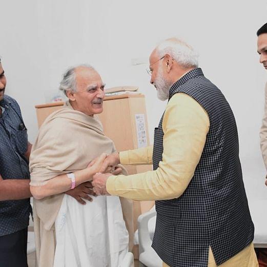 Twitter praises Modi for meeting vocal critic Arun Shourie