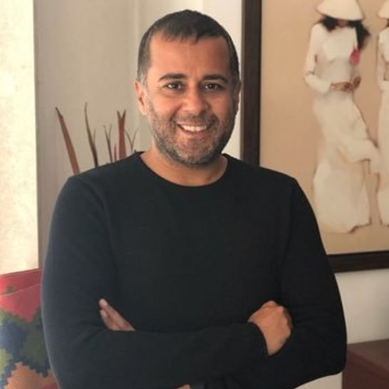 Chetan Bhagat says 'people attacking Tanishq can't afford it anyway'; Twitter calls him out for 'elitist' comment