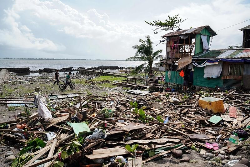 Typhoon Phanfone kills at least 16 in central Philippines on Christmas Day