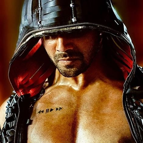 Street Dancer 3D: Varun Dhawan flaunts his bronze abs in first look