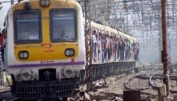 Mumbai: Can't increase trains;CPRO