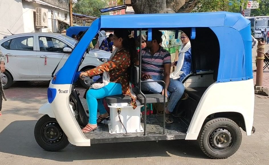 100 women to break stereotype and drive e-rickshaws in Indore