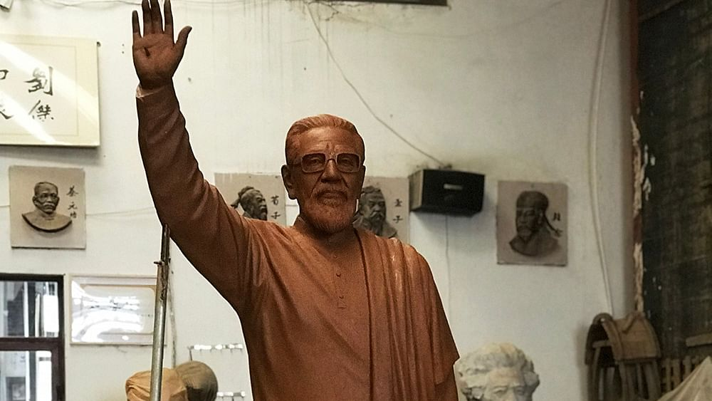 Slight change in location of Bal Thackeray statue