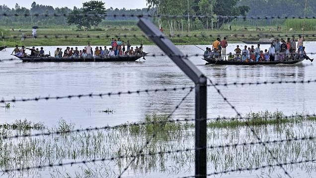 Video of Bangla Hindus crossing border fake: PIB