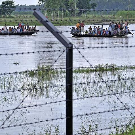 Video of Bangla Hindus crossing border fake: PIB