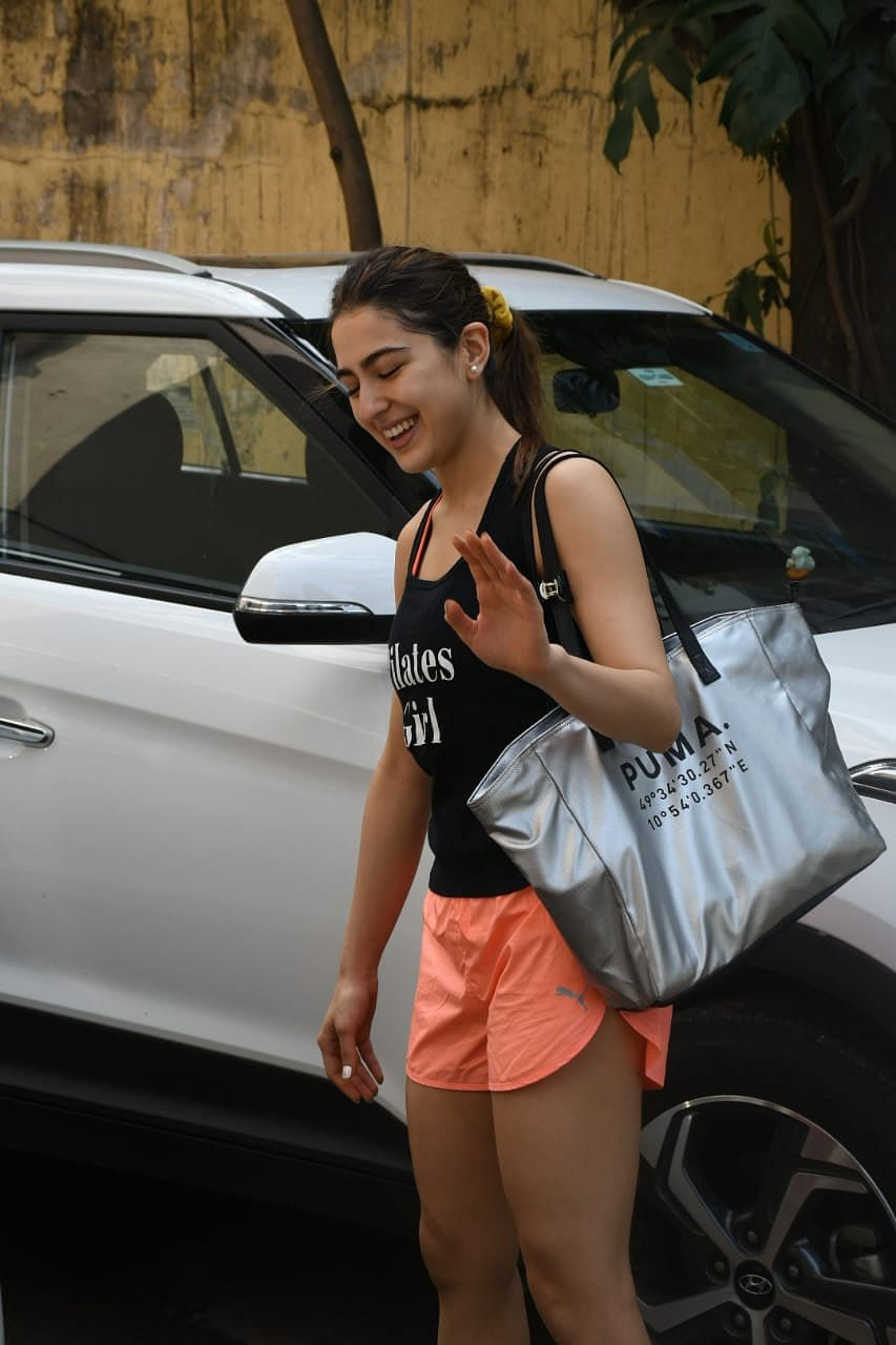 Sara Ali Khan carries a shopper bag worth Rs 2 lakh for her Pilates session!