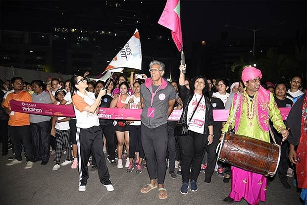 Tahira Kashyap, Karisma Kapoor root for women at Pinkathon