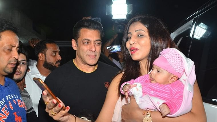 Bhai's Paternal Instinct: Salman Khan obliges for 'super mom' struggling with her baby to get a picture