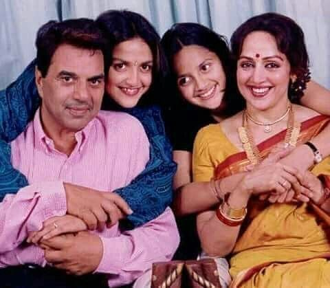 Hema Malini and Dharmendra with Esha and Ahana Deol