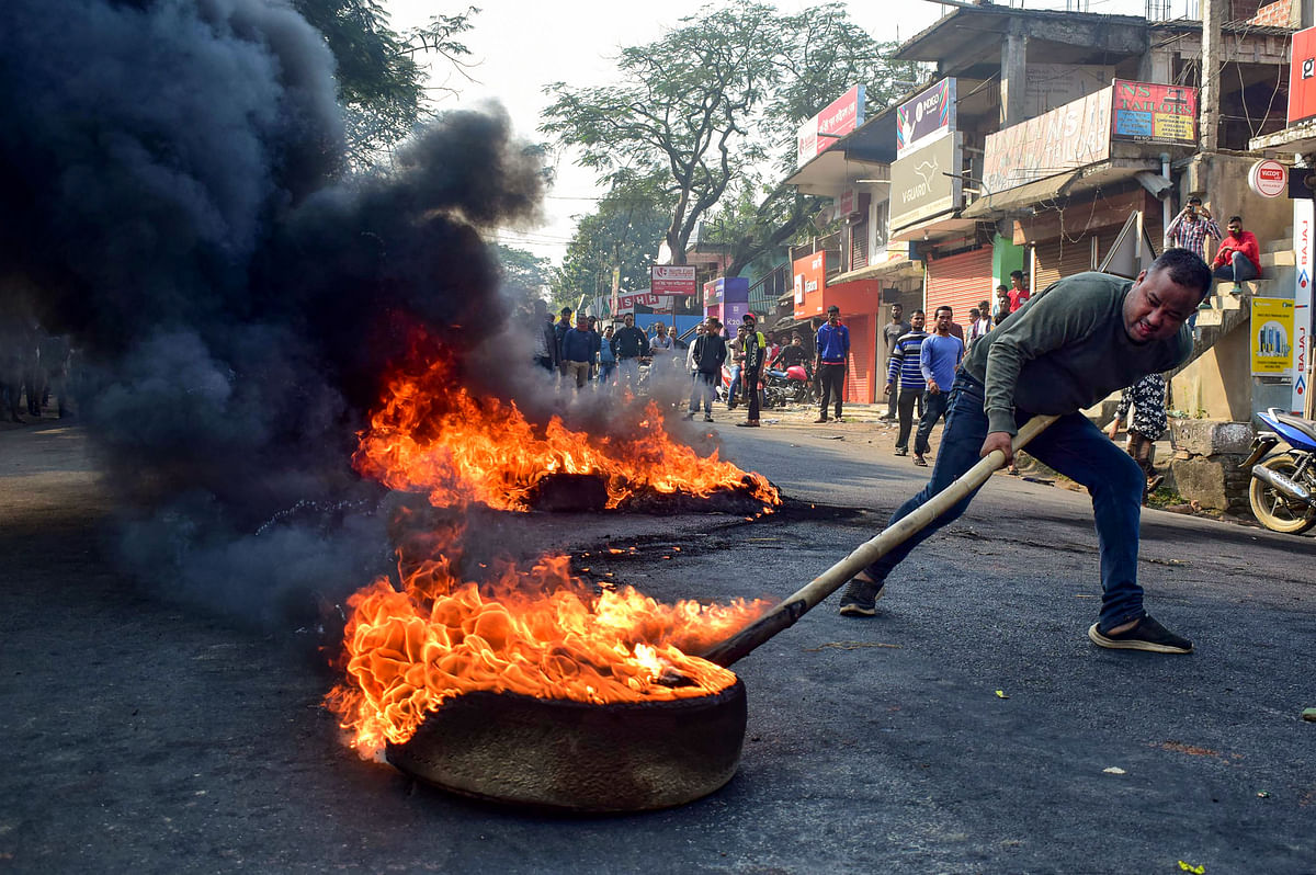 Bangladesh protests after protestors attack their Foreign Secretary's convoy in Guwahati