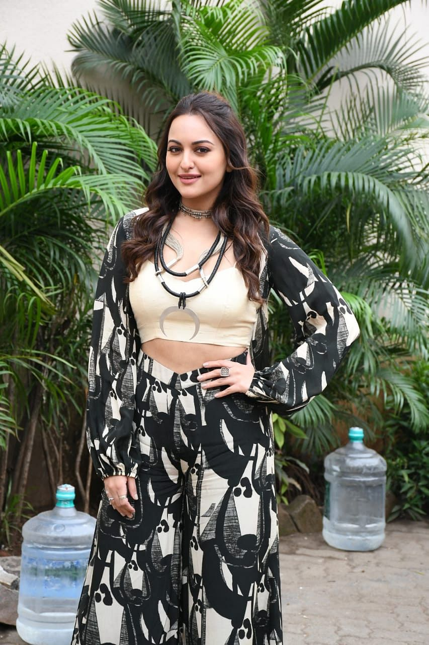 Call a stylist! Sonakshi Sinha's weird outfit is making the fashion police cringe