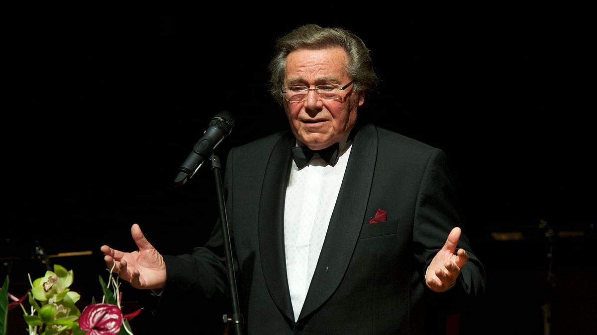 German singer and conductor Peter Schreier, widely regarded as one of the leading lyric tenors of the 20th century, died at the age of 84 after a long illness, his secretary said.