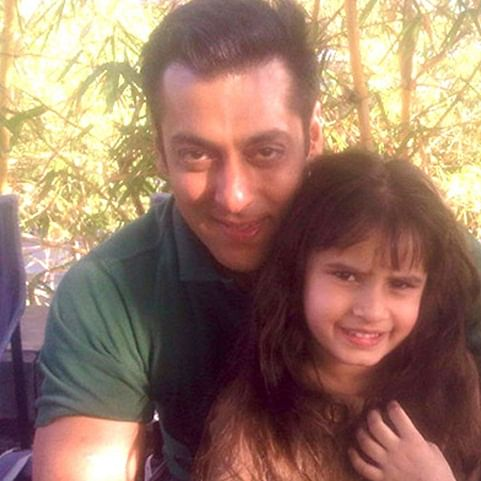Raveena Tandon's daughter poses with 'uncle Salman Khan' in this cute throwback picture