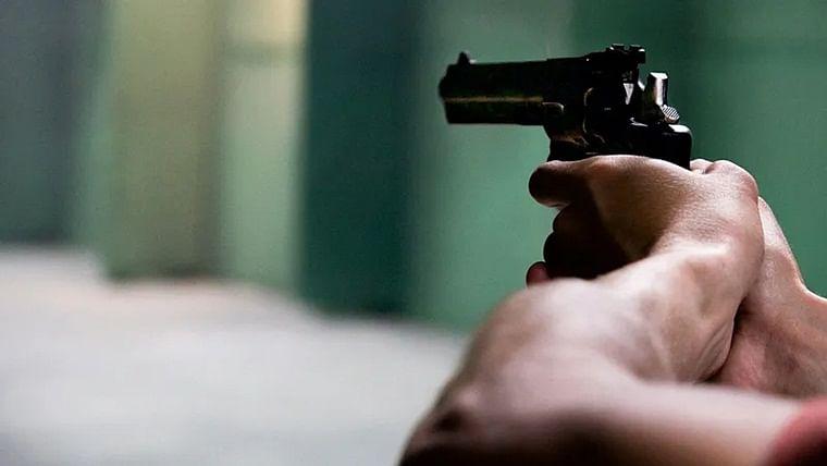 CRPF jawan on election duty shoots 2 officers dead in Jharkhand