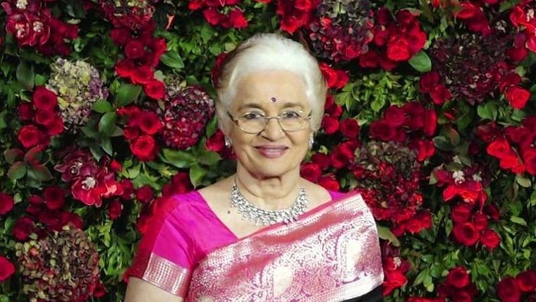 All the single ladies, Asha Parekh is your long lost guru!