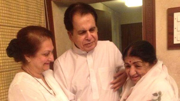 Dilip Kumar overjoyed with 'choti behen' Lata Mangeshkar's health status