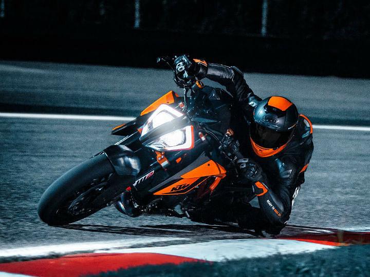 KTM 1290 Super Duke: Orange beast at IBW 2019