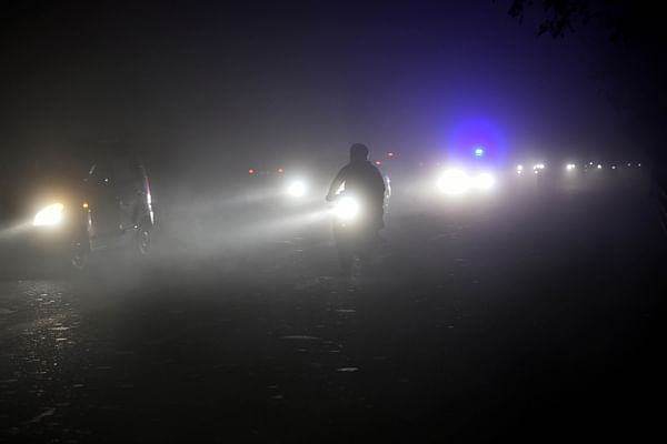 Delhi air quality turns 'severe', people advised to avoid outdoor activities