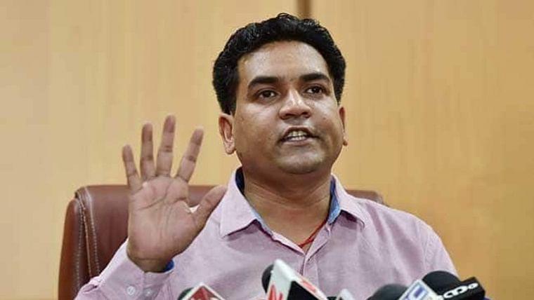 BJP leader leads group chanting 'goli maaron saalo ko', Twitter slams him for inciting hatred