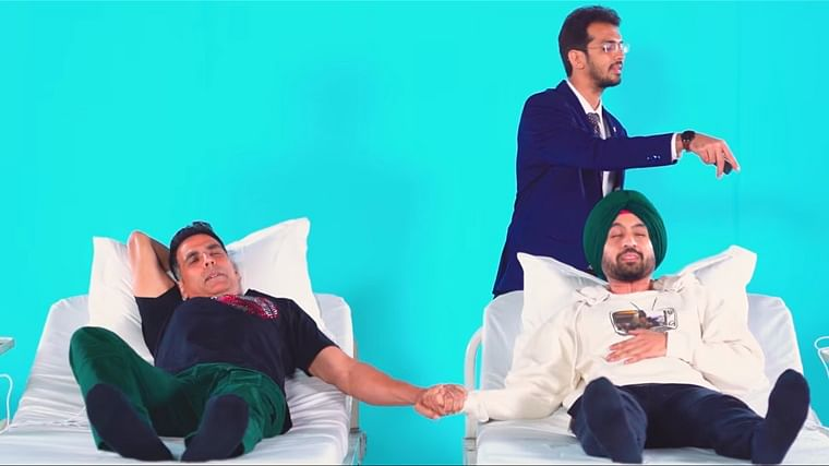 'Hawa tight ho gyi': Akshay Kumar, Diljit Dosanjh undergo labour pain in real-life