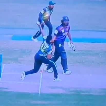 Watch: Krishmar Santokie bowls no ball in the opening match of BPL, draws suspicion