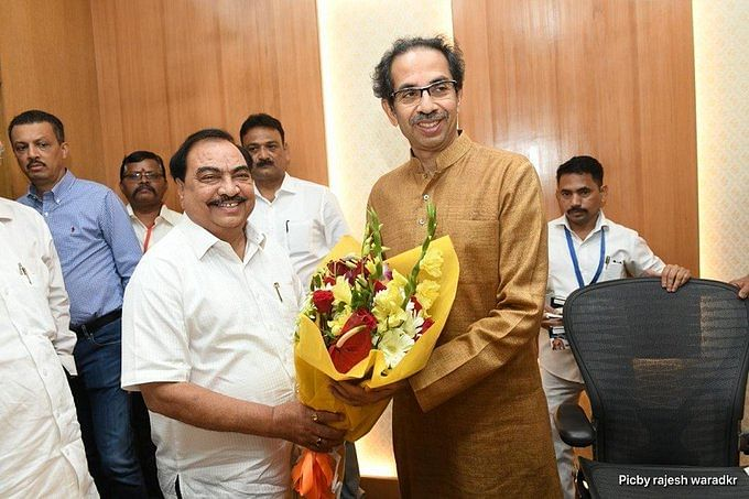 Eknath Khadse meets Uddhav Thackeray, steps up attack on BJP