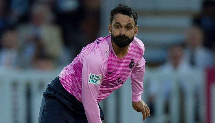 Mohammad Hafeez suspended from bowling in ECB competition