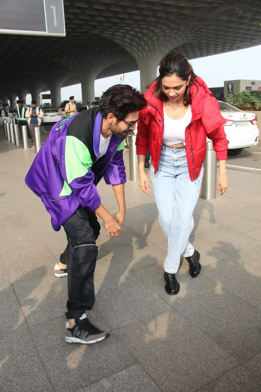 Kartik Aaryan and Deepika Padukone at the Mumbai Airport