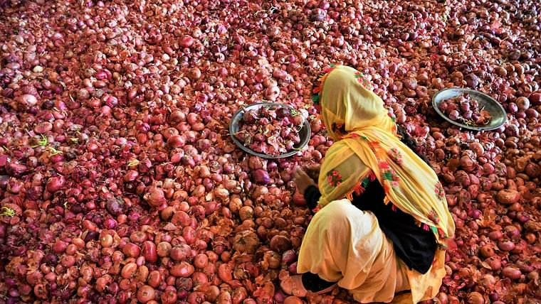 Two arrested for stealing 110 kg onions from Kalyan APMC market