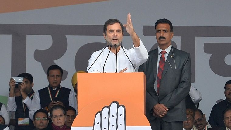 'It's critical to show that you're Indian': Rahul Gandhi appeals to students to join protest at Rajghat