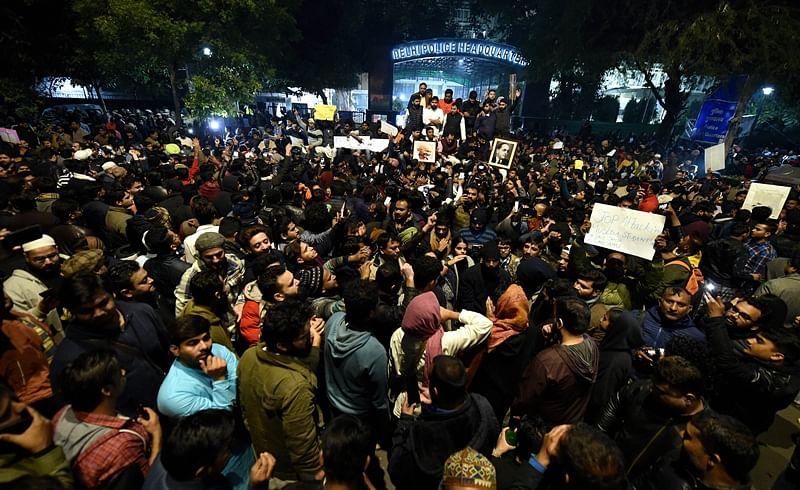 CAB protest: AMU simmers, shut till January 5, net blocked