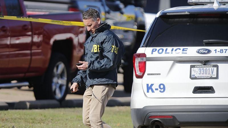 Texas church shooting leaves 2 worshippers dead, gunman killed