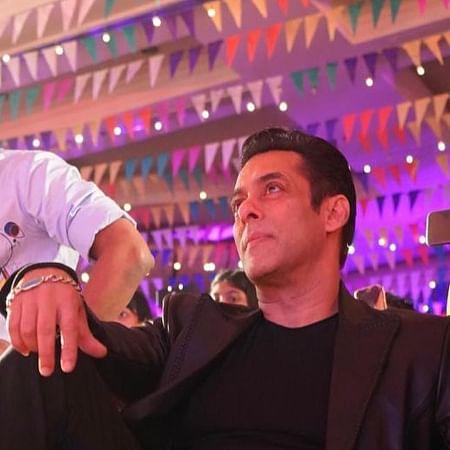 Dabangg 3: Salman Khan shares candid moment with director Prabhu Deva