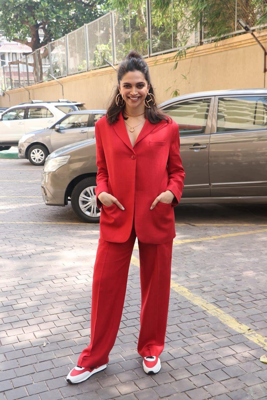 Cost of Deepika Padukone's earrings can get 120 kilos of onions!