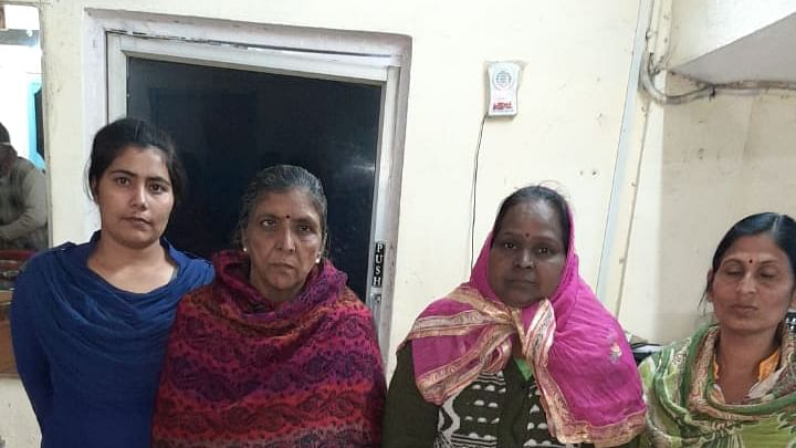 Indore: 3 women attack two cops inside police station